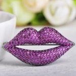 Брошь Lips