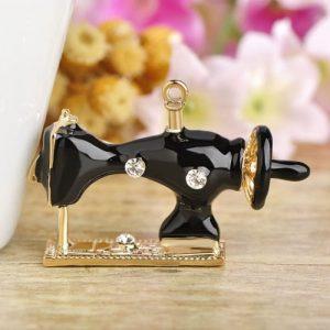 Брошь Швейная машинка