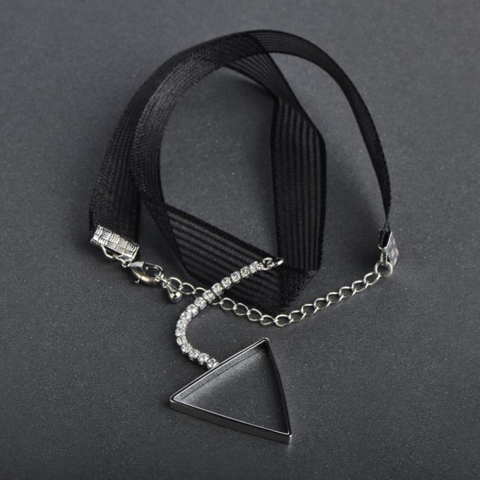 Чокер Треугольник