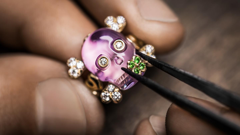 Смертельно красиво: украшения в виде черепа -Dior Tete de Mort
