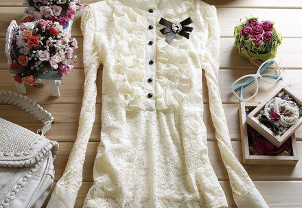 Какие украшения носить с белой одеждой?