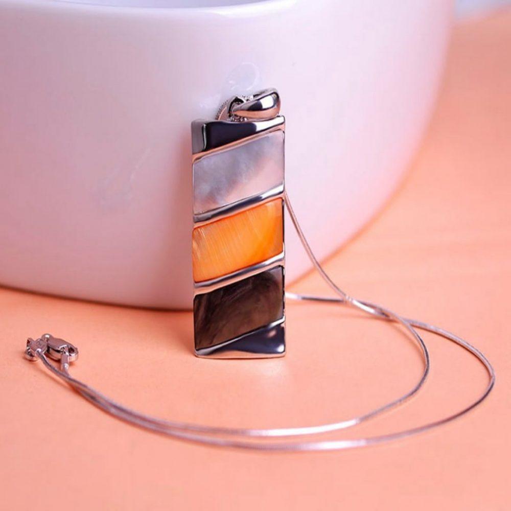 Тонкие цепочки с миниатюрными подвесками