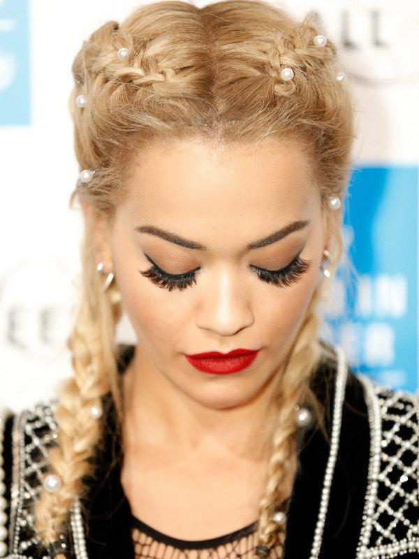 Рита Ора украшения для волос
