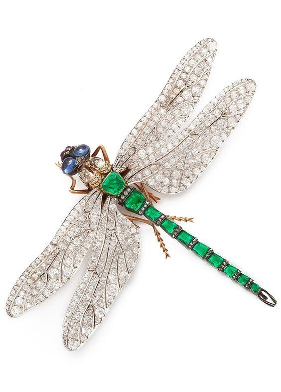 Золотая стрекоза - символ лёгкости - A Rare Art Nouveau Emerald and Diamond Dragonfly Brooch