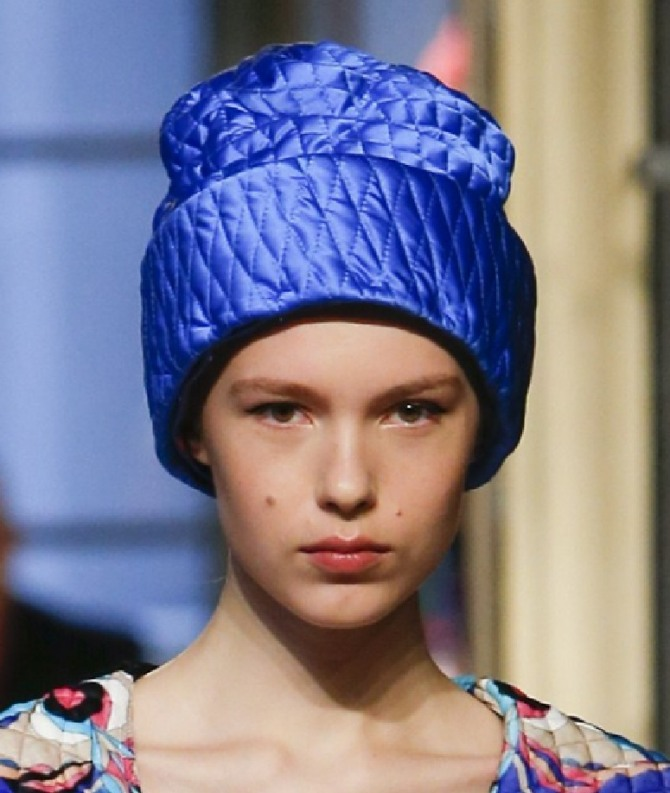 Стёганые шапки от Emilio Pucci