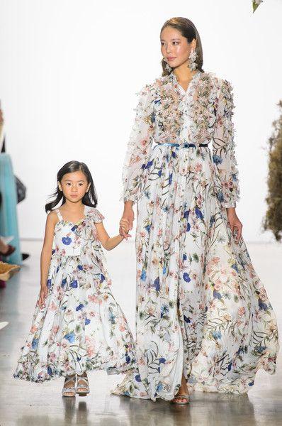 Double dressing мама и дочка от Badgley Mischka