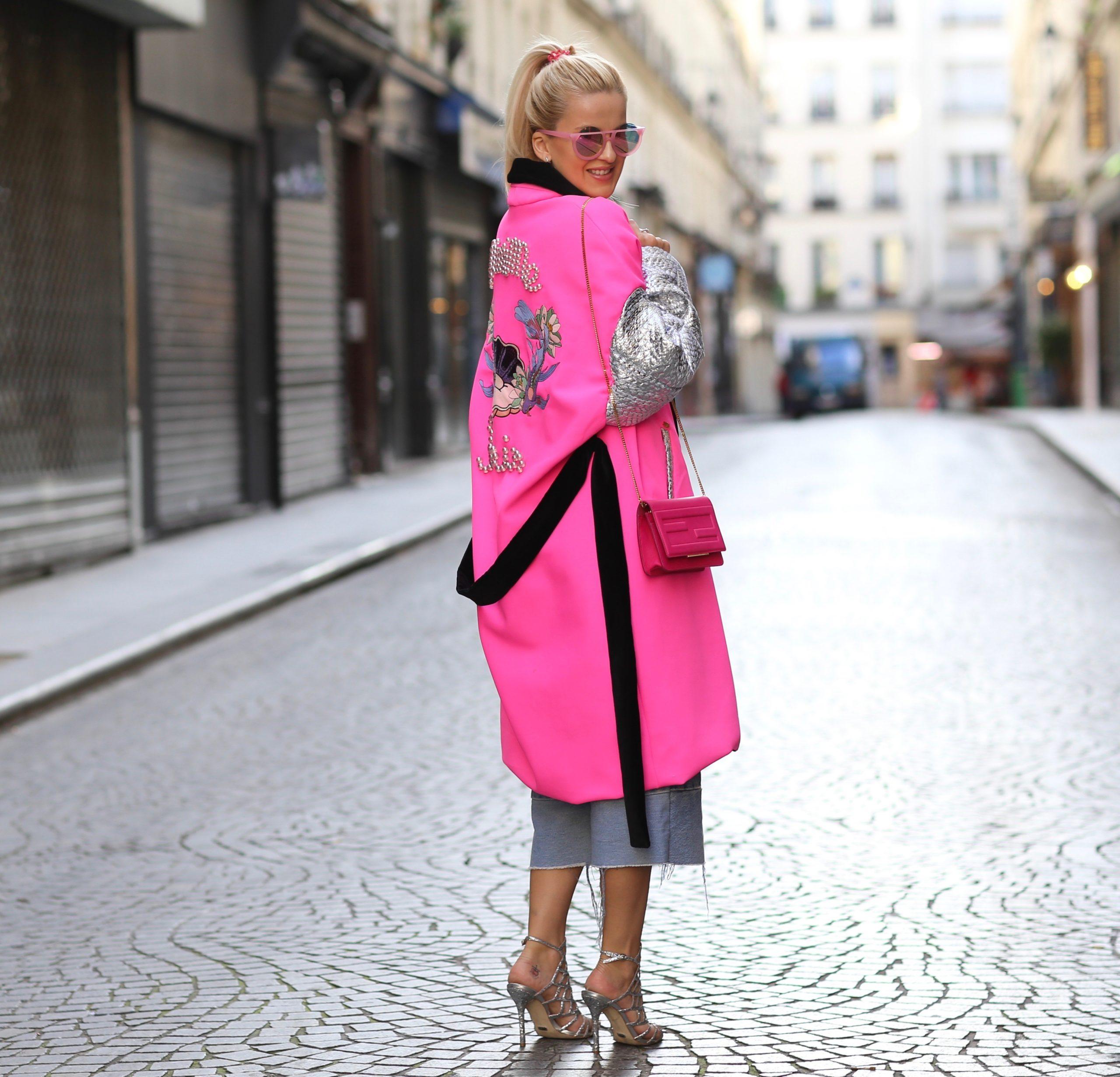 Как выбрать цветную сумку к повседневному образу. Розовые сумки