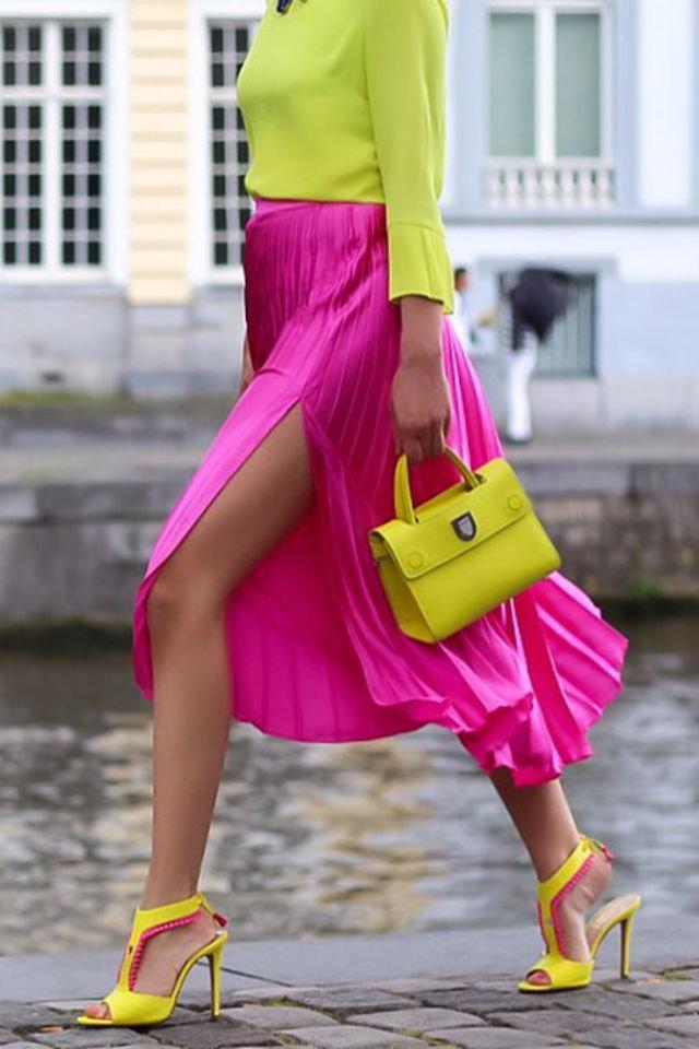 Как выбрать цветную сумку к повседневному образу. Жёлтые сумки