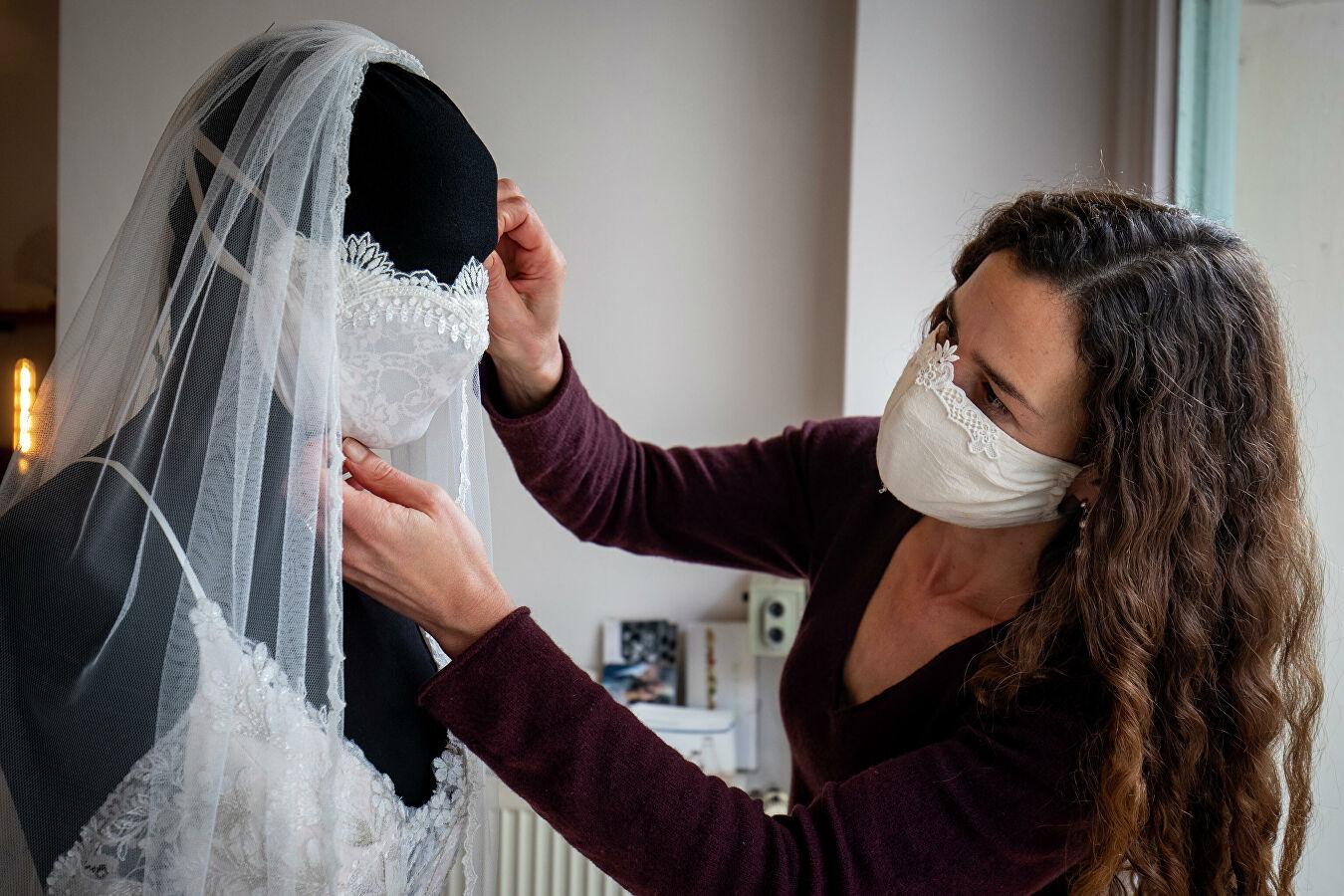 маска в комплект к платью невесты