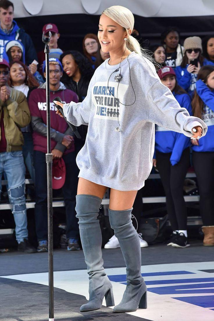 Ариана Гранде носит платья худи