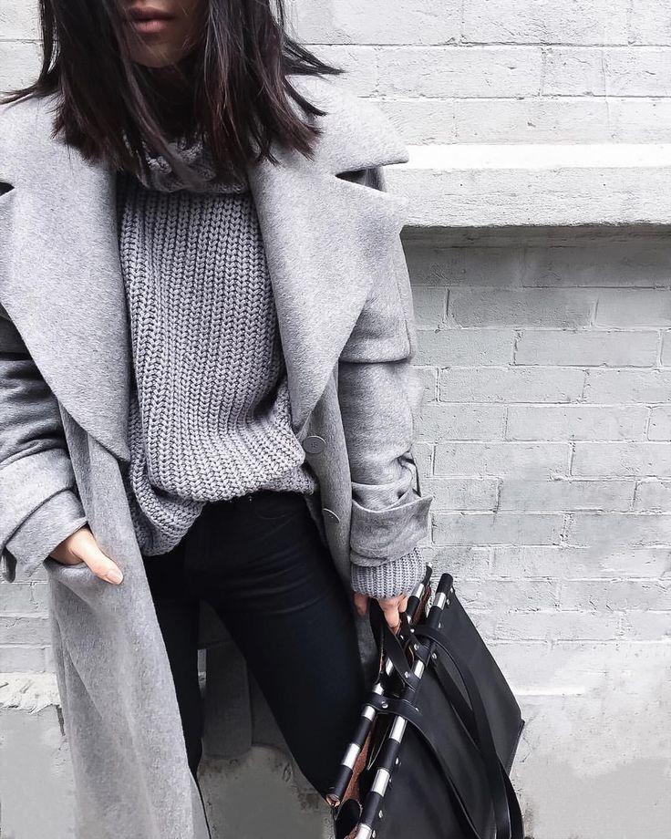 Серый свитер и пальто