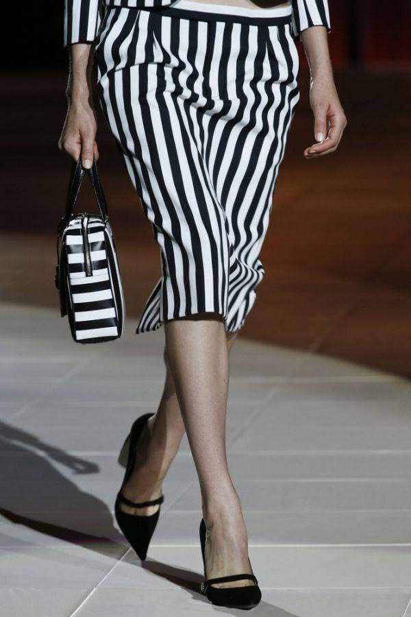 Сумочка от Marc Jacobs, которая повторяет основную деталь костюма