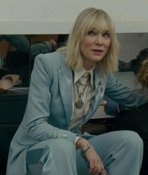Кейт Бланшет в свободном смокинге цвета Тиффани
