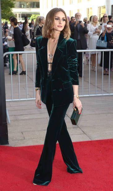 Оливия Палермо в смокинге из зелёного бархата