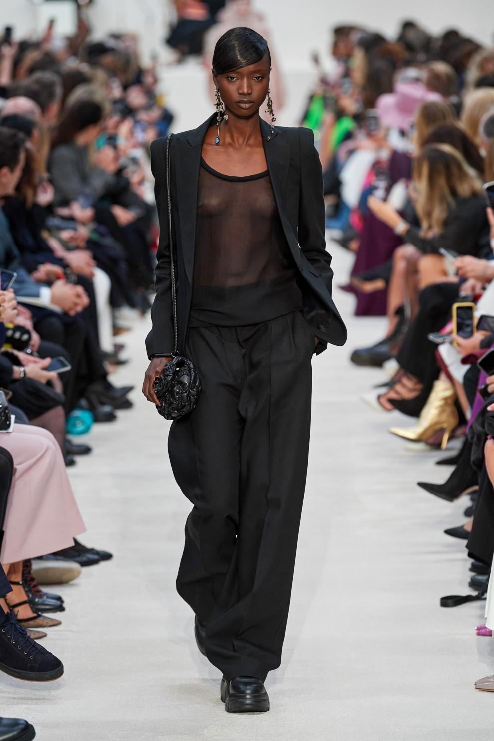 Брюки-палаццо - женственные и элегантные. Valentino