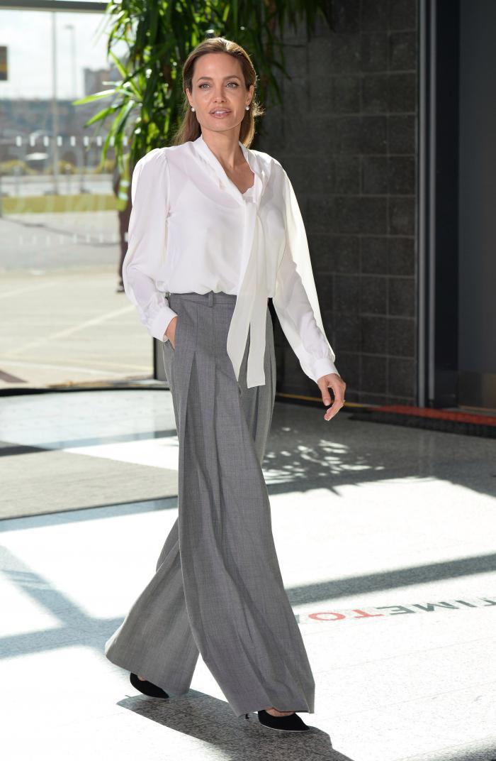 Анджелина Джоли в Брюках-палаццо - женственных и элегантных