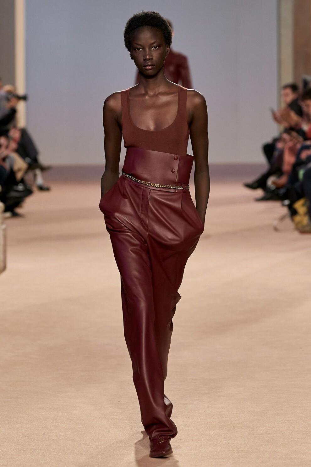 Кожаные брюки - снова в тренде. Salvatore Ferragamo