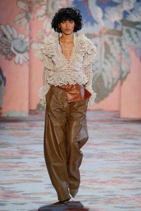 Кожаные брюки - снова в тренде. Zimmermann