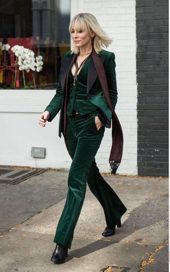 Cate Blanchett в трендовых бархатных брюках от Gucci