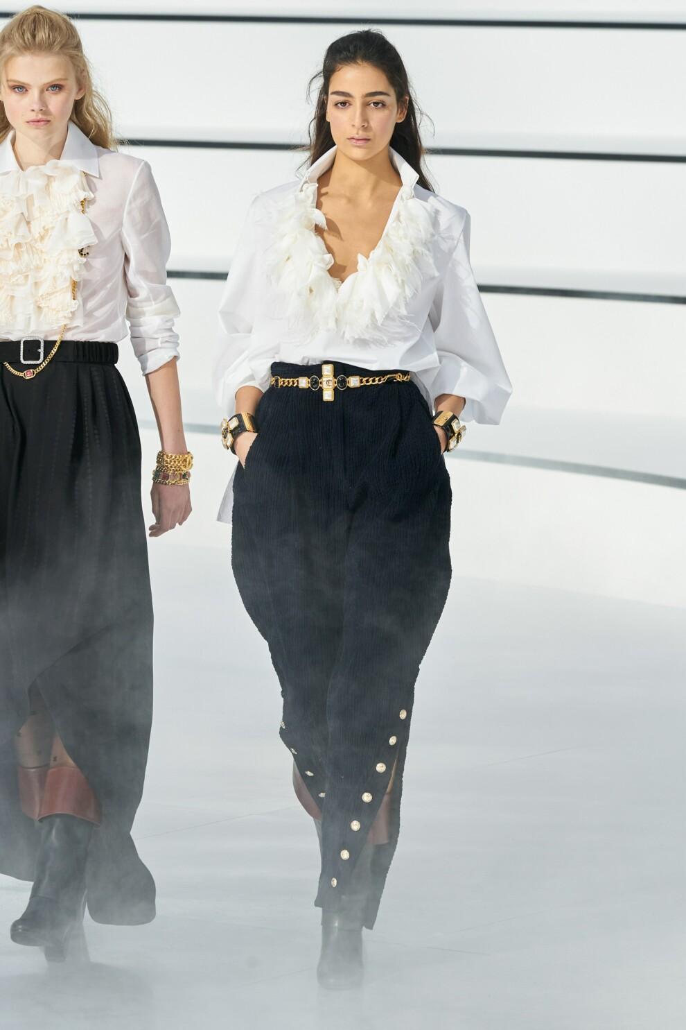 Трендовые бархатные брюки. Chanel