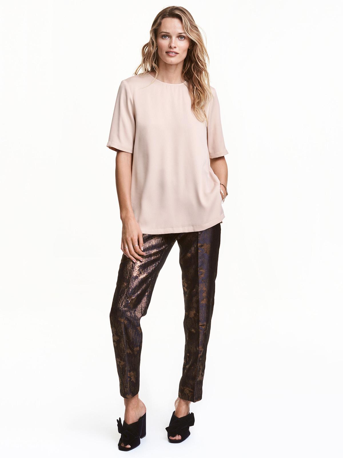 Во всём блеске. Шик, блеск, красота... Купить брюки из блестящей или со сверкающим декором ткани можно в H&M