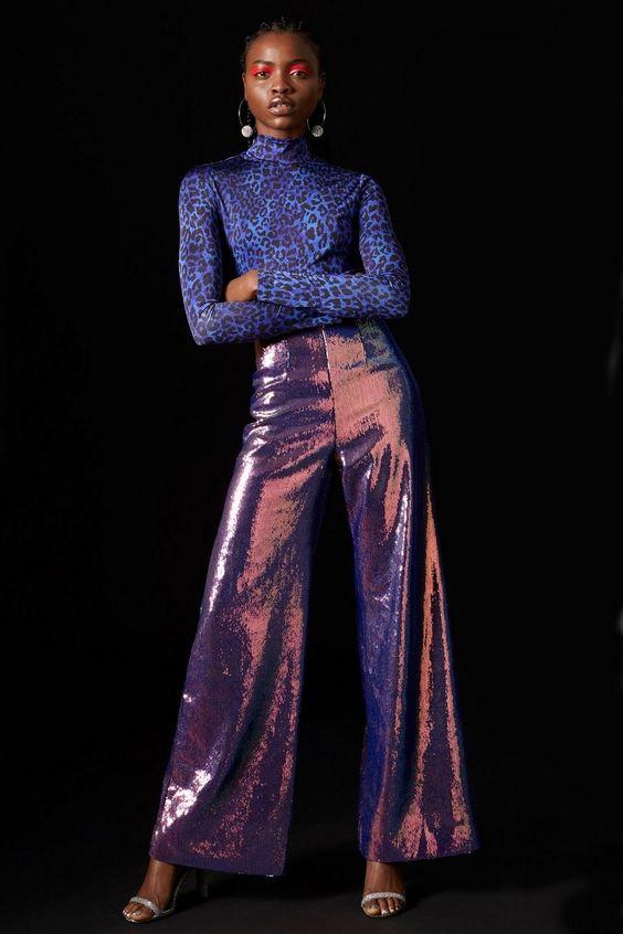 Во всём блеске. Шик, блеск, красота... Купить брюки из блестящей или со сверкающим декором ткани можно в Topshop