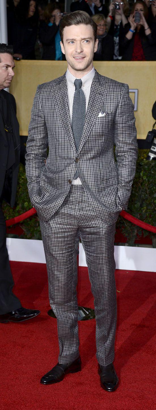 Джастин Тимберлейк в костюме в мелкую клетку