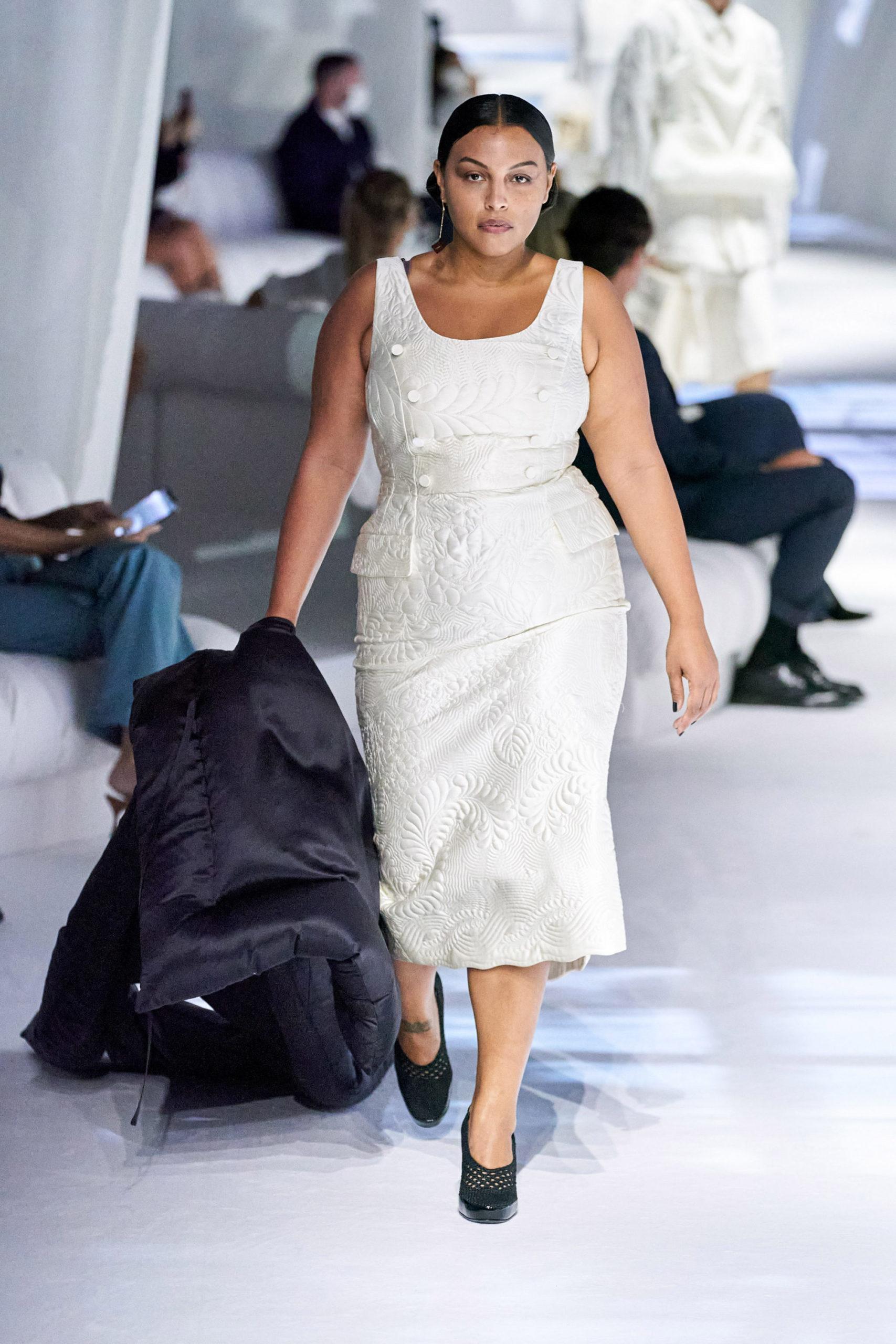 Платье с баской от Fendi