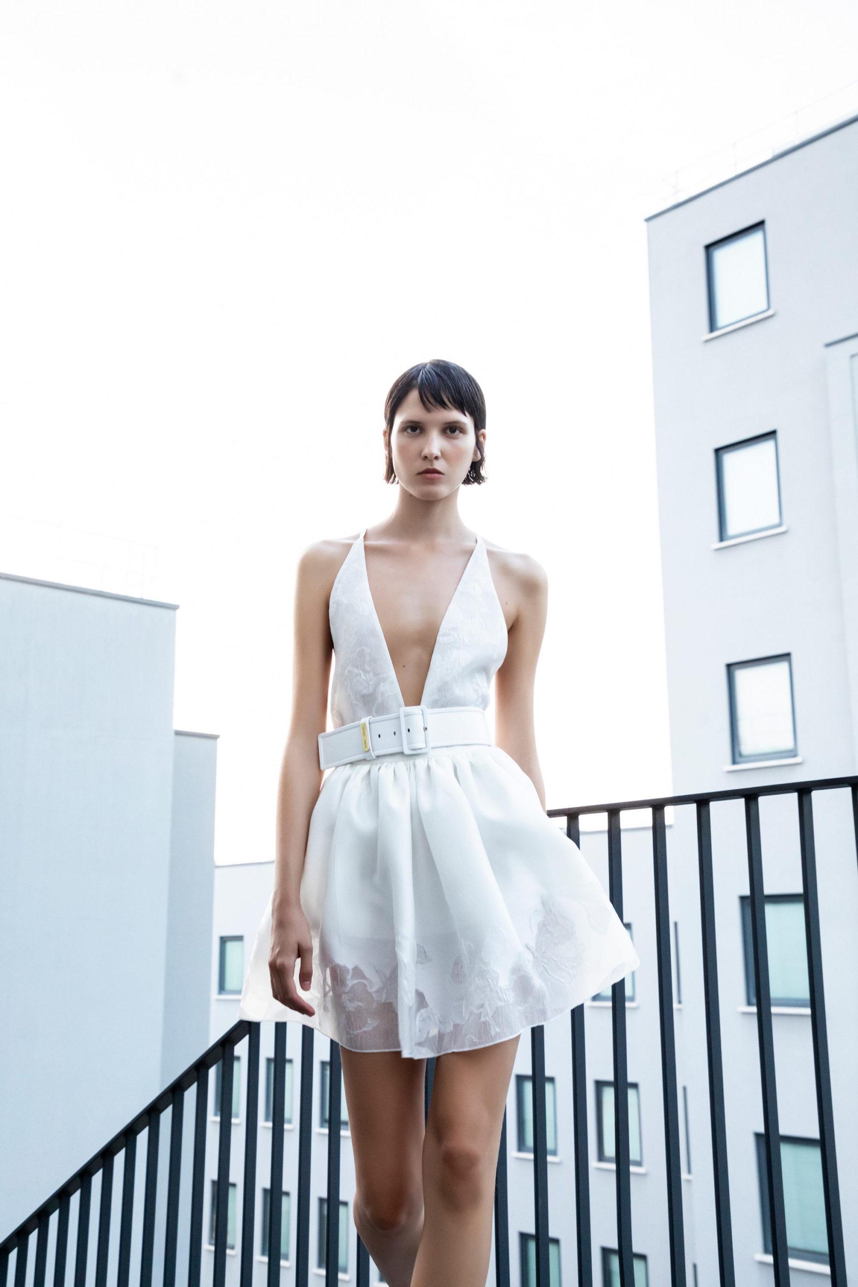 Платье с расклешённой статичной юбкой, платье выпускницы от Emporio Armani