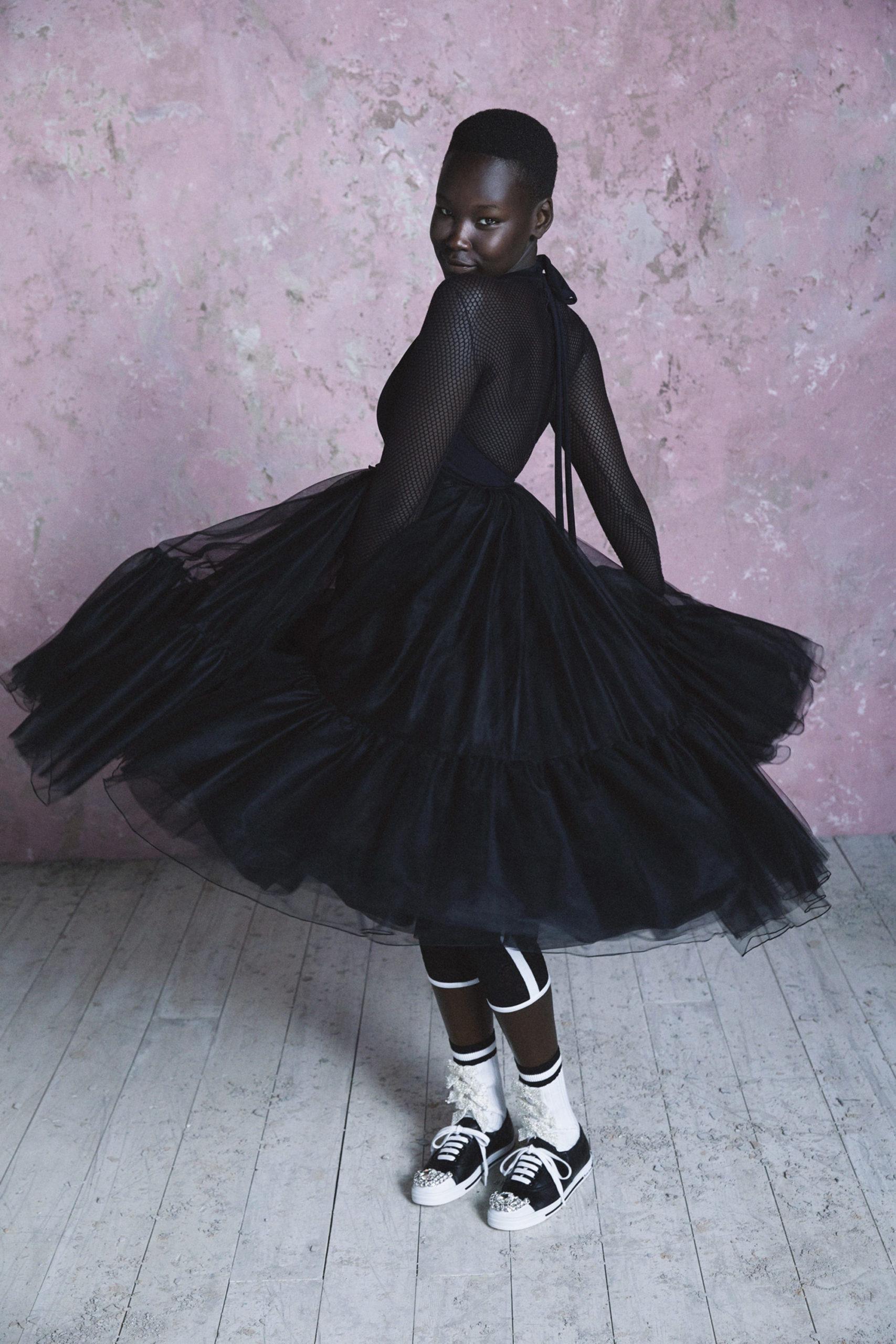 Платье с расклешённой статичной юбкой, платье выпускницы от Miu Miu