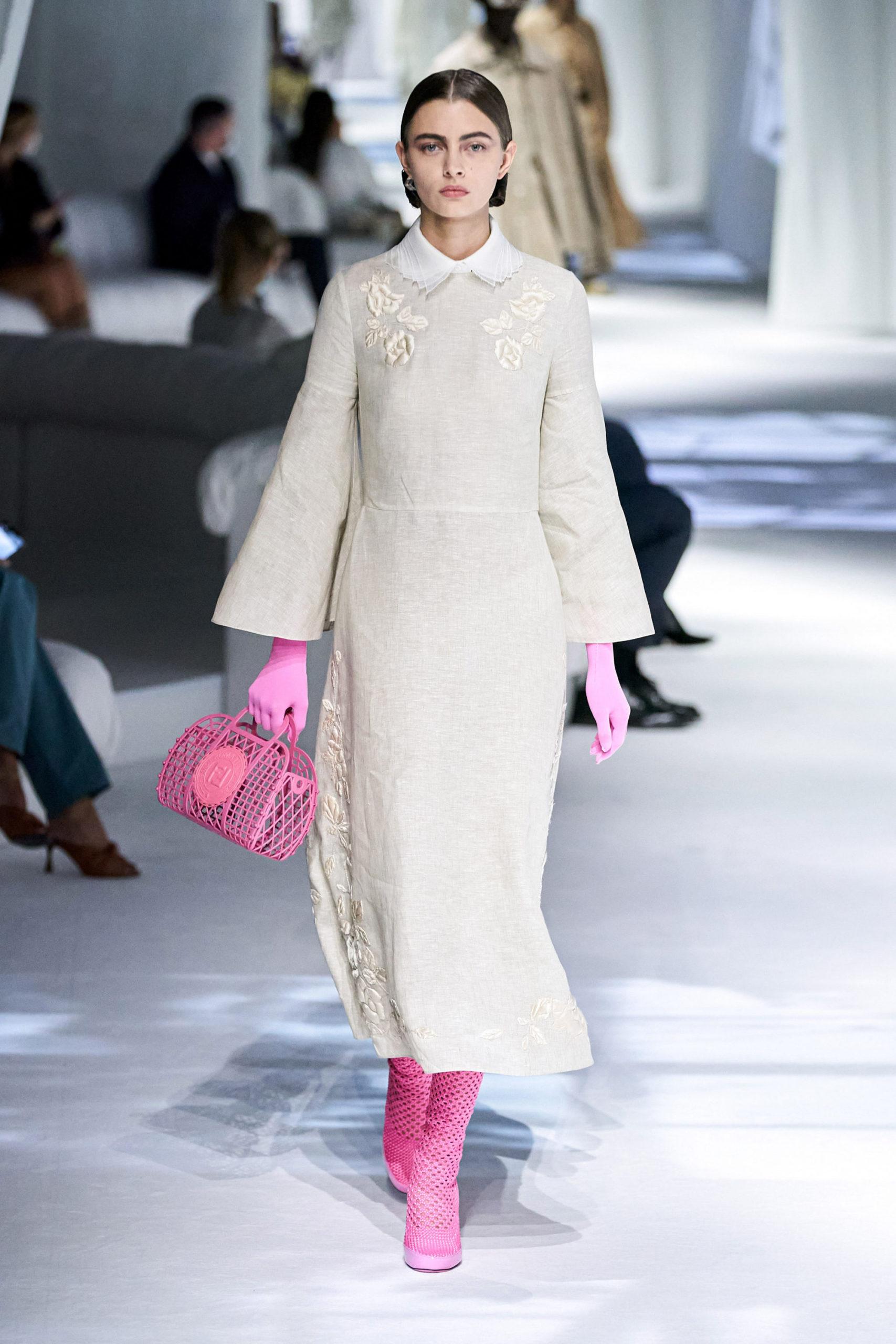 Платье с расклешёнными рукавами от Fendi
