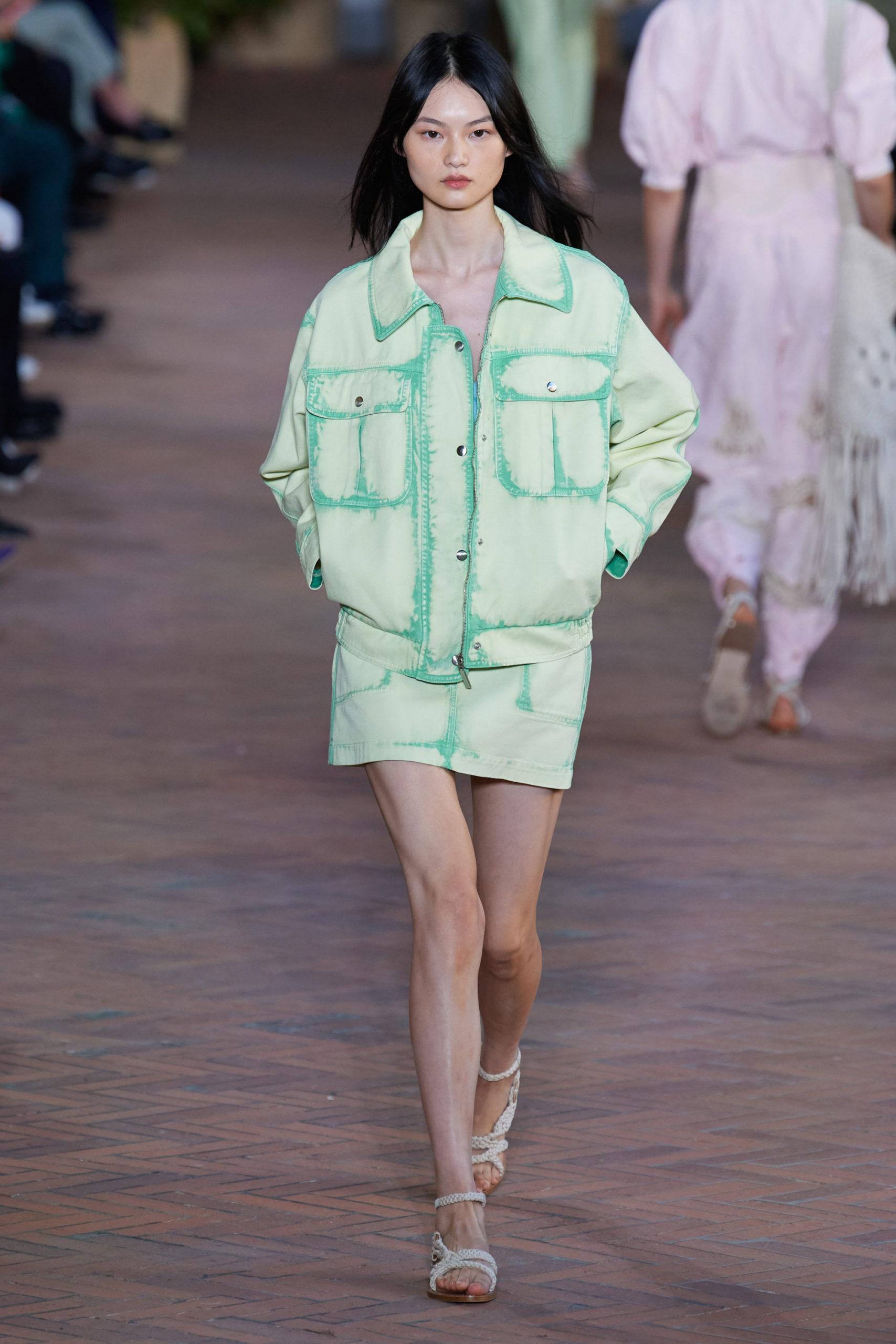 Ментоловый образ от Alberta Ferretti Ready To Wear весна-лето 2021