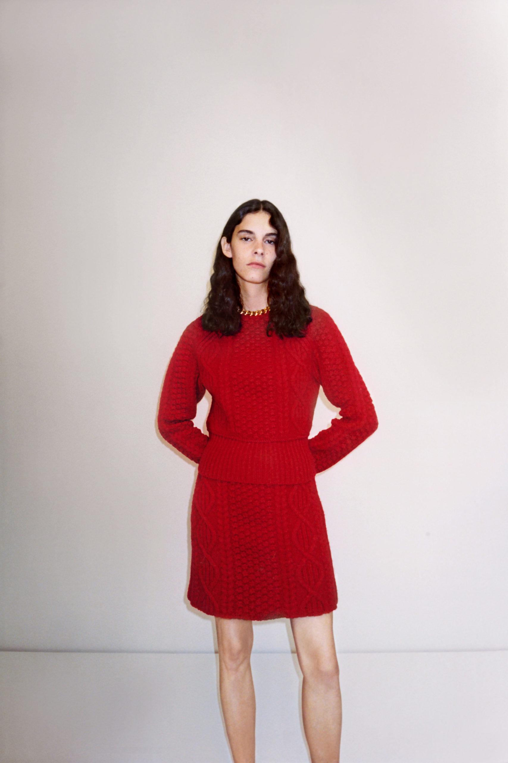 Платье-свитер от Bottega Veneta модель 2021 года