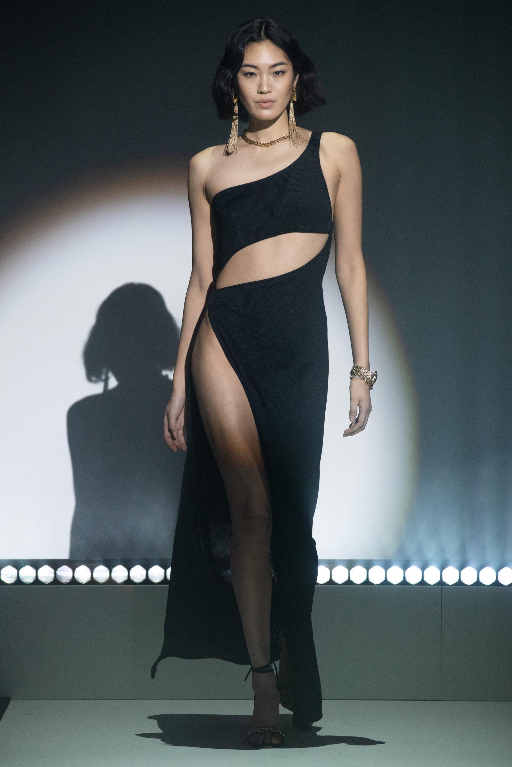 Платье с вырезом от Brandon Maxwell модель 2021 года