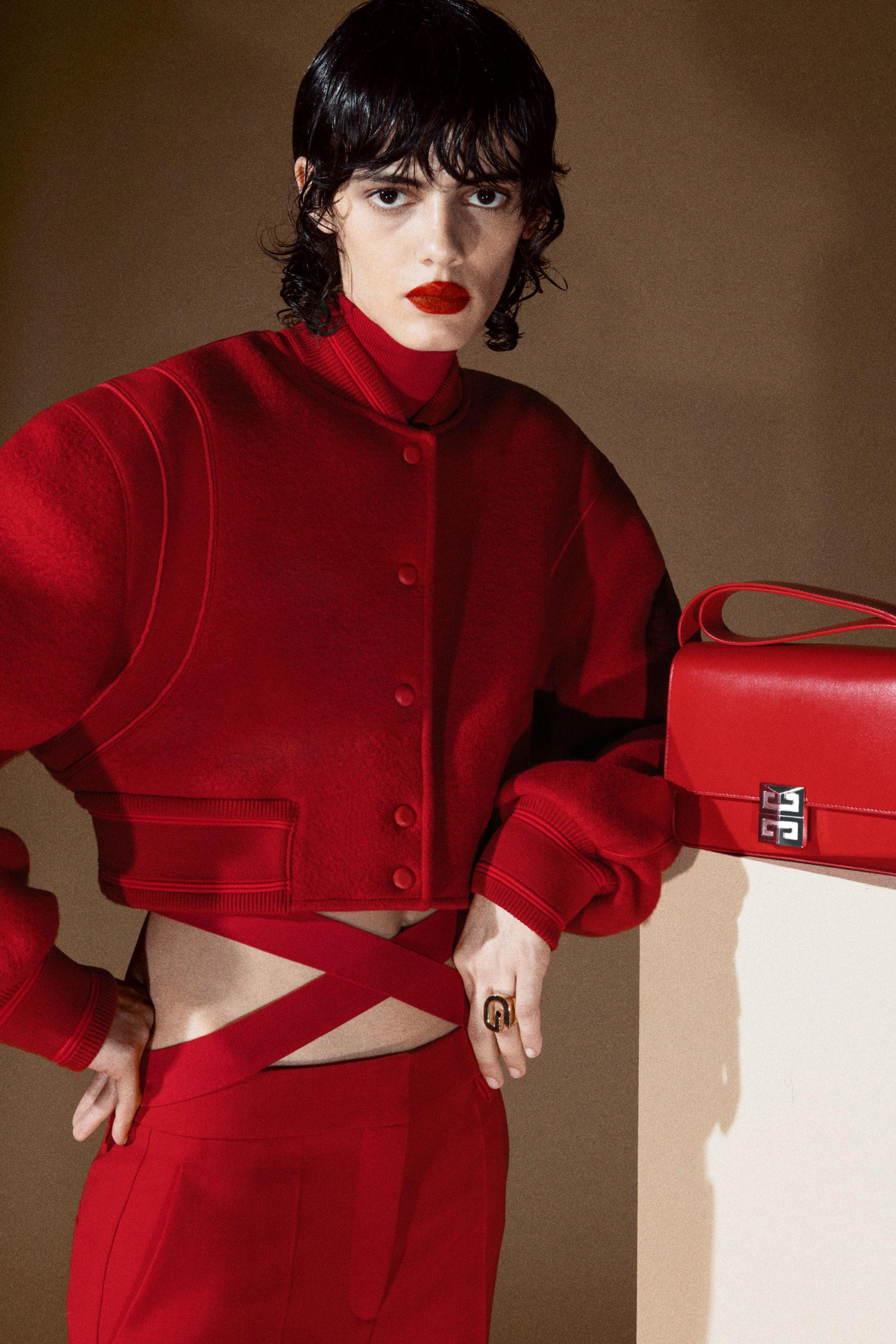 Платье с вырезом от Givenchy модель 2022 года