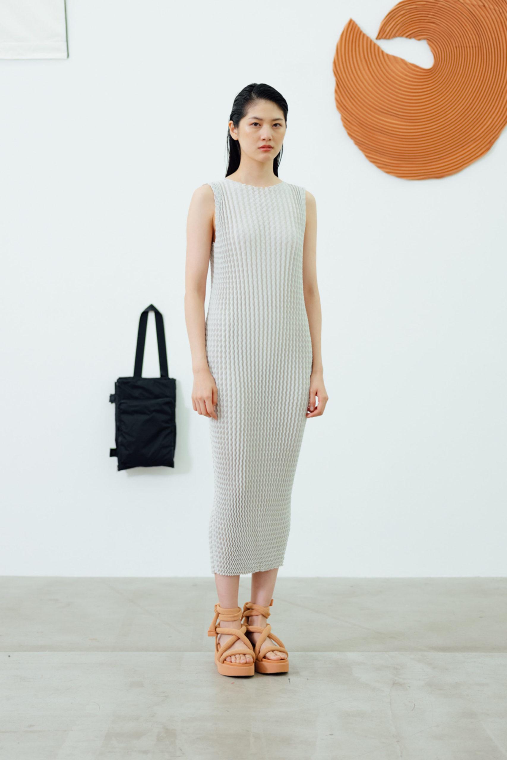 Платье-свитер от Issey Miyake