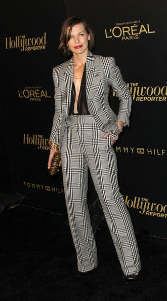Milla Jovovich - Милла Йовович в клетчатом луке