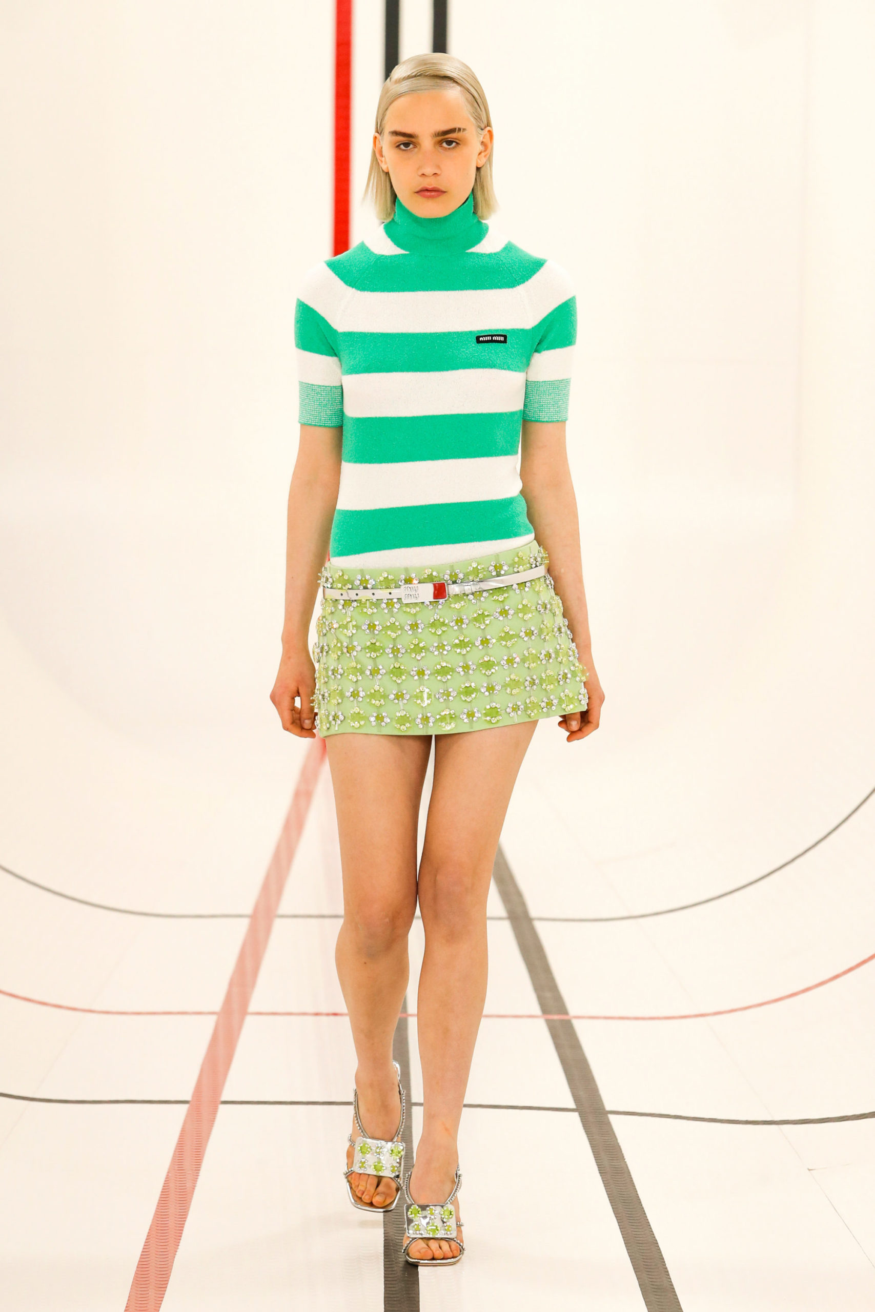 Ментоловый образ от Miu Miu Ready To Wear весна-лето 2021