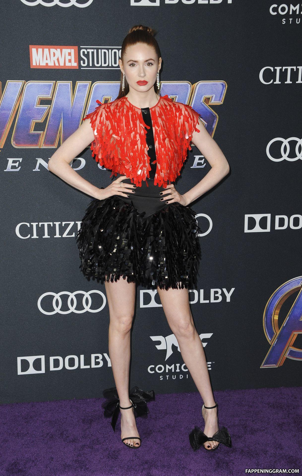 Карен Гиллан (Karen Gillan) в платье с бахромой