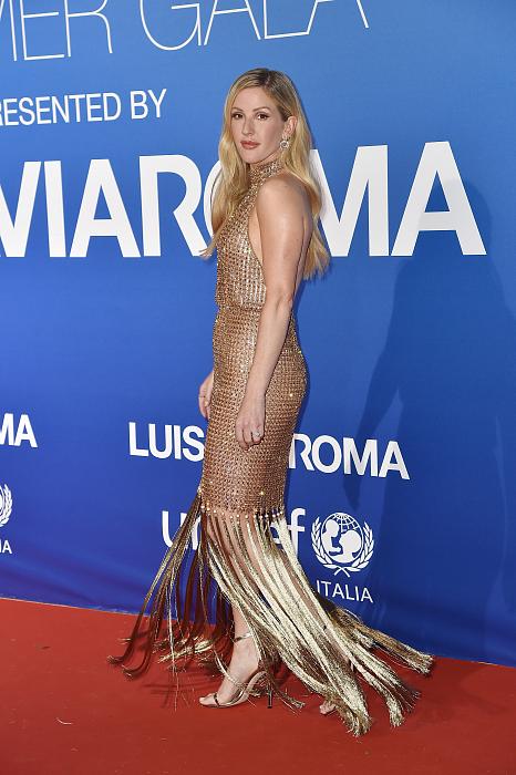 Элли Голдинг (Ellie Goulding) в платье с бахромой