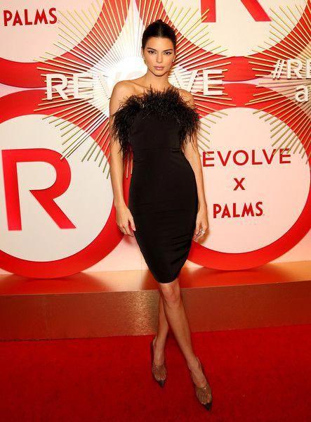 Кендалл Дженнер (Kendall Jenner) в платье с бахромой