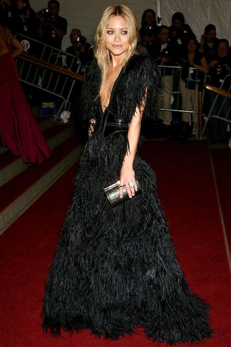 Мэри-Кейт Олсен (Mary-Kate Olsen) в платье с бахромой