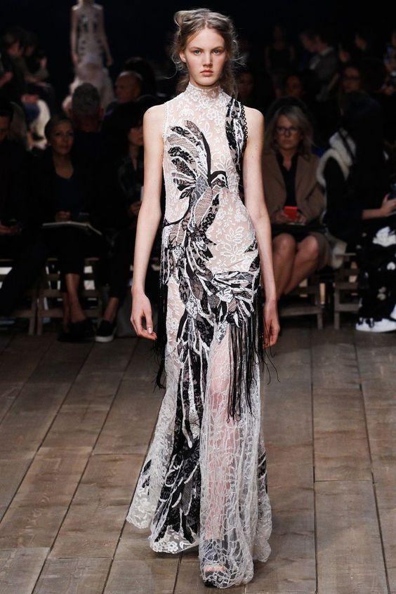 Николь Кидман (Nicole Kidman) в платье с бахромой от Alexander McQueen