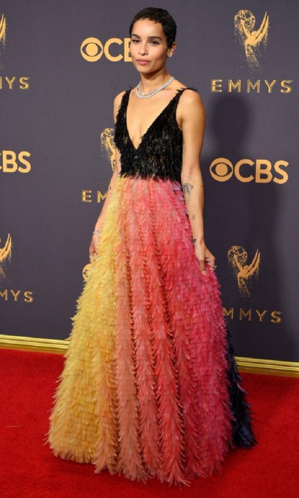 Зои Кравиц (Zoe Kravitz) в платье с бахромой