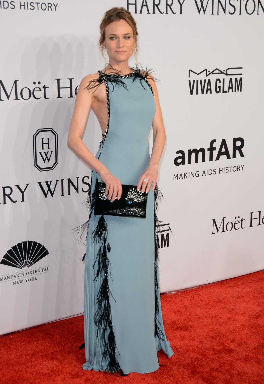 Дайан Крюгер (Diane Kruger) в платье с бахромой от Prada