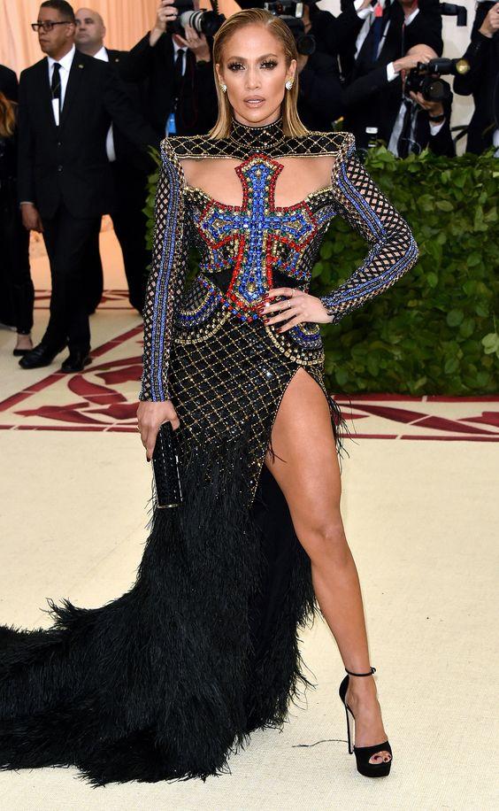 Дженнифер Лопес (Jennifer Lopez) в платье с бахромой