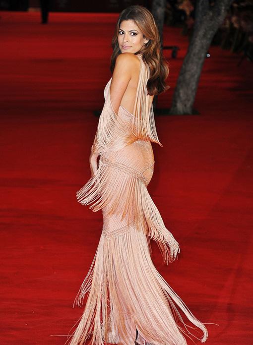Ева Мендес (Eva Mendes) в платье с бахромой