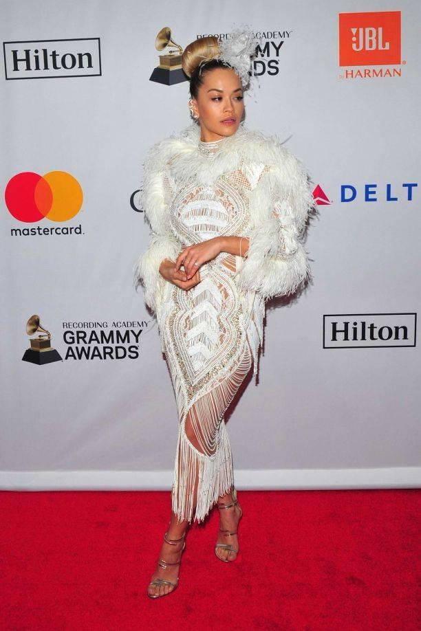 Рита Ора (Rita Ora) в платье с бахромой