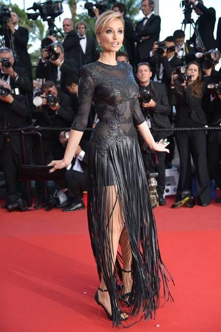 Адриана Скленарикова (Adriana Sklenarikova) в платье с бахромой