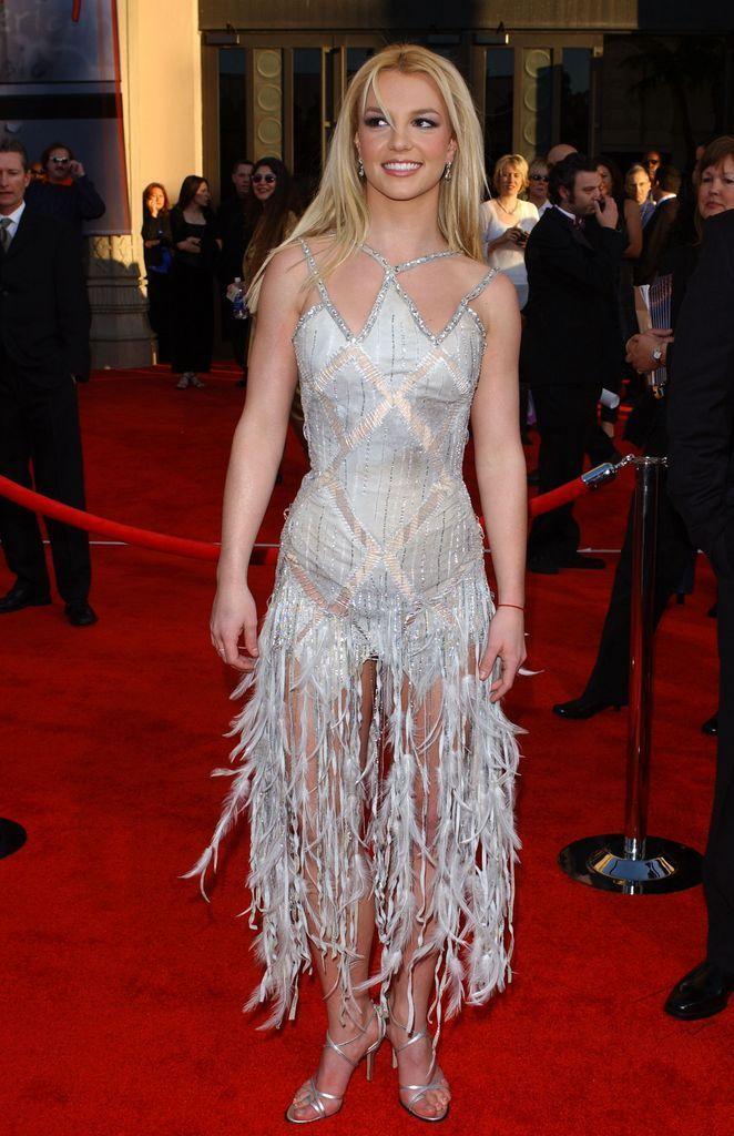 Бритни Спирс (Britney Spears) в платье с бахромой